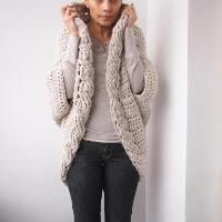 Crocheting : Very winter cable shrug/cardigan