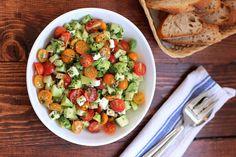 Η σαλάτα ως πλήρες γεύμα: 3 πανεύκολες συνταγές που θα λατρέψεις
