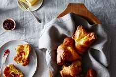 I simply adore popovers, which are perfect for breakfast, brunch, lunch, or dinner. They& so easy but they look so impressive. Always serve warm. Popover Recipe, Good Food, Yummy Food, Yummy Eats, British Baking, Recipe Directions, Bread And Pastries, Food 52, Side Dish Recipes