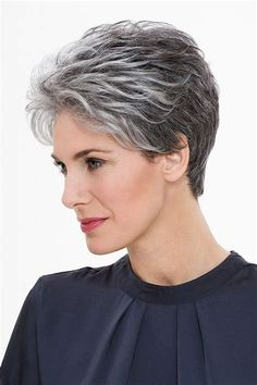 Gray Hair Styles for Short and Long Hair In 2020 Hairstyles for Short Gray Hair Short Grey Hair Styles Grey Hair Fade, Grey Hair Over 50, Short Hair Over 60, Short Grey Haircuts, Cool Haircuts, Cool Hairstyles, Pixie Hairstyles, Hairstyles 2018, Pixie Haircuts