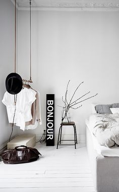 4 Loving ideas: Minimalist Interior Kitchen Marbles minimalist home interior tiny houses.Boho Minimalist Decor Colour minimalist home architecture building.Minimalist Home Design Diy. White Bedroom Design, Bedroom Green, Minimal Bedroom Design, Bedroom Small, Master Bedrooms, Minimalist Interior, Minimalist Decor, Modern Minimalist, Minimalist Kitchen