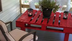 Porch Table from Wood Pallet - nice!