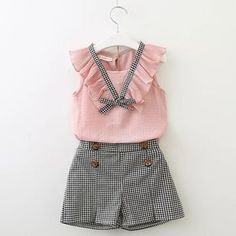 Girls Clothing Sets 2018 New Style Summer Children Clothes Cute Plaid Lace + White Bow Short Pants Kids Clothes Sets Toddler Girl Outfits, Baby Outfits, Little Girl Dresses, Kids Outfits, Toddler Girls Clothes, Kid Dresses, Winter Outfits, Trendy Outfits, Dress Outfits