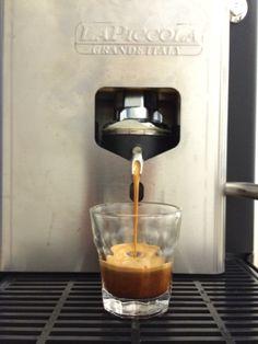 La Piccola Sara - perfect Espresso V60 Coffee, Nespresso, Coffee Maker, Kitchen Appliances, Kaffee, Coffee Maker Machine, Diy Kitchen Appliances, Coffee Percolator, Home Appliances