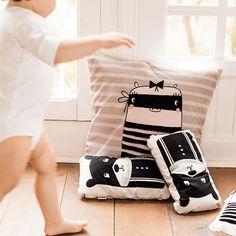 Buenos días!!! Por aquí andamos preparando las vacacioneeees!! Y vosotros? Ya en el paraíso?? Que tengáis un buen día!  Good morning!!! Here we are getting ready for vacations!! And you? Are you in paradise all ready? Have a nice day!  #bandideforkids #bandidekids #beddingforkids #ropadecamainfantil #lascamasestanparadeshacerlas #kidsroomdecor #kidsroom #designforkids #nordicinspiration #nordicdesign