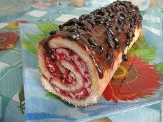 Sponge roulade with raspberries Russian Cakes, Cheesesteak, Food To Make, Raspberry, Rolls, Pork, Lose Weight, Cooking Recipes, Beef