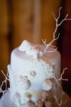 woodsy wedding cake, photo by Joseph + Jaime Photography http://ruffledblog.com/vintage-inspired-ontario-wedding #weddingcakes #cakes