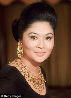 Imelda Marcos' famous collection of shoes partly destroyed by termites and floods after lying in storage in the Philippines for 26 years since she exiled Ferdinand, President Of The Philippines, Toddlers And Tiaras, Filipino Culture, Dresser, The Wedding Singer, Filipiniana, Asian Hair, Queen