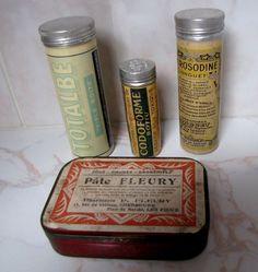 Lot de 4 boîtes à médicament anciennes en tôle ou autre