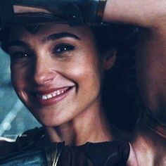 I love her smile Gal Gadot Wonder Woman, Wonder Woman Movie, Gal Gadot Style, Gal Gardot, Beauty Around The World, Wonder Women, Celebrity Portraits, Her Smile, S Pic