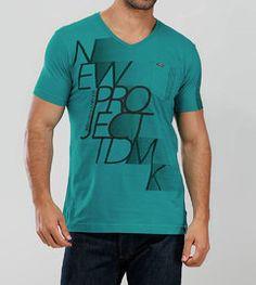 Camiseta BGO Decote V Meia Malha - Verde com bolso - http://www.compramais.com.br/masculino/camisetas/camiseta-bgo-decote-v-meia-malha-verde-com-bolso/