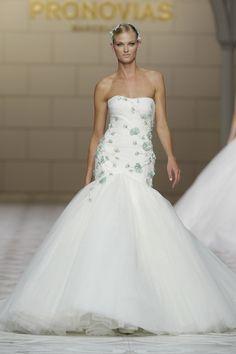 La collezione Pronovias 2015 direttamente dalla Barcellona Bridal Week!