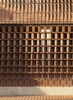 Cloaked in Bricks,© Parham Taghioff