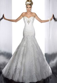 The Christina Wu Wedding Dresses have been a leader in the bridal industry for almost 20 years. Christina Wu offers gorgeous wedding dresses, that feature Used Wedding Dresses, Gorgeous Wedding Dress, Wedding Dress Styles, Bridal Dresses, Beautiful Dresses, Dream Wedding, 20s Wedding, Wedding 2017, Perfect Wedding