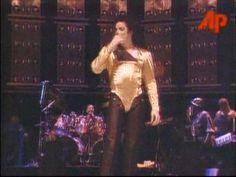 Michael Jackson - Dangerous Tour live in Singapore - Happy Bi. Michael Jackson Dangerous, Michael Jackson Gif, Mj, Singapore, Happy Birthday, Tours, Live, Concert, Music