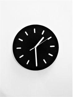 diy black white clock scandinavian style czarno biały drewniany zegar w stylu skandynawskim zrób to sam www.samowystarczalna.pl