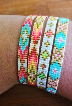 off loom beading techniques Loom Bracelet Patterns, Bead Loom Patterns, Beaded Jewelry Patterns, Beading Patterns, Beading Ideas, Seed Bead Bracelets Diy, Beaded Bracelets Tutorial, Bead Jewellery, Seed Bead Jewelry