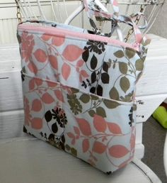 Free Cross-body Hipster Sewing Tutorial by Vibrant Designs
