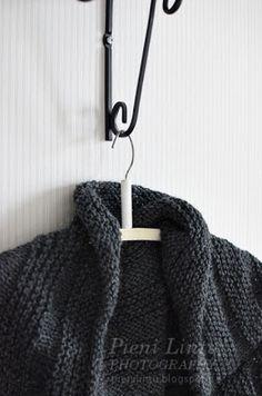 Pieni Lintu: DIY knitted bolero Anna Sui, Diy, Fashion, Moda, Bricolage, Fashion Styles, Do It Yourself, Fashion Illustrations, Homemade