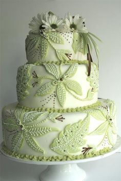 Pretty Green Piped Applique Flowers Cake