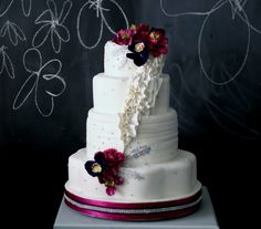 Artistic Wedding Cakes from The Caketress - MODwedding