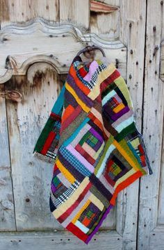 quilt, quilting, patchwork, laine, wool, st pierre, st veran, queyras Log Cabin Quilts, Patchwork Patterns, Traditional Quilts, Blog Planner, Wool Applique, Blogger Tips, Quilting Projects, Plaid Scarf, Patches