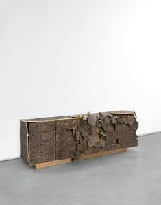 Vincent Dubourg (France, 1977), Bhanga Bronze (Gold), 2014. Bronze, 90 x 296 x 60 cm (35.4 x 116.54 x 23.62 in.). Limited Edition of 8 + 4 APs. Photo courtesy Carpenters Workshop Gallery