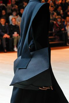 Céline Fall 2017 Ready-to-Wear Fashion Show Details