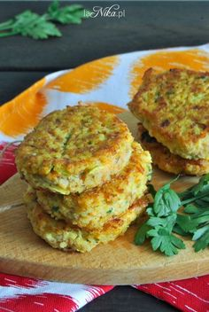 Kotlety z kaszy jaglanej, cukinii i marchewki 2 Cooking Recipes, Healthy Recipes, Salmon Burgers, Quiche, Sugar Free, Food And Drink, Healthy Eating, Tasty, Meals