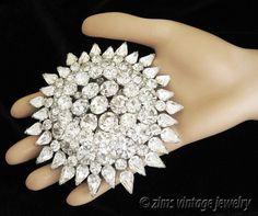 Vintage D&E JULIANA Very LARGE rhinestone Starburst FLOWER silver PIN brooch #Juliana