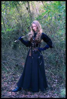 Warrior Maiden by ~Manwariel on deviantART Medieval Peasant, Medieval Dress, Medieval Fantasy, Fantasy Costumes, Larp Costumes, Cool Costumes, Costume Ideas, Female Warrior Costume, Renaissance Fair