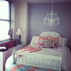 White, Orange, and blue chevron bedroom:) Guest Bedroom Decor, Cute Bedroom Ideas, Guest Bedrooms, Guest Room, Small Master Bedroom, Dream Bedroom, Home Bedroom, Kids Bedroom, Bedroom Orange
