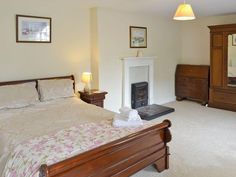 Germoe cottage rental - Spacious master bedroom Holidays In Cornwall, Master Bedroom, Cottage, House, Furniture, Home Decor, Master Suite, Decoration Home, Home