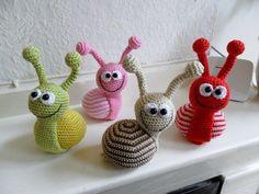Crochet Diy, Crochet Snail, Crochet Amigurumi, Crochet For Kids, Amigurumi Patterns, Crochet Animals, Crochet Crafts, Crochet Dolls, Yarn Crafts