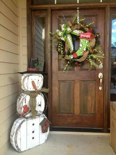 50 Christmas Front Porch Decor Ideas And Makeover 50 Christmas Porch Decor Ideas and Makeover Snowman Christmas Decorations, Christmas Wood, Country Christmas, Christmas Snowman, Christmas Projects, Winter Christmas, Christmas Holidays, Christmas Wreaths, Christmas Ornaments