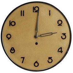 Sleek Art Deco Modern clock font. Wilhelm Kienzle German design via @MurrMarie