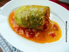 dovlecei umpluti cu cuscus si legume Veggie Recipes, Baby Food Recipes, My Recipes, Vegetarian Recipes, Veggie Food, Romanian Food, Romanian Recipes, Meatloaf, Vitamins