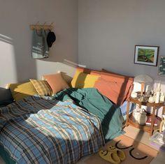 Teen Room Decor Ideas - Home decor interests Teen Room Decor, Bedroom Decor, Pretty Room, Aesthetic Room Decor, Cozy Room, Bedroom Vintage, Bedroom Modern, Modern Room, Victorian Bedroom