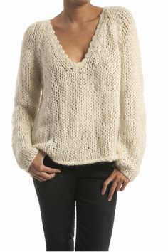 Ladies Cardigan Knitting Patterns, Knitting Patterns Free, Knit Patterns, Pull Torsadé, Sweater Fashion, Sweater Weather, Crochet Clothes, Cardigans For Women, Pullover Sweaters