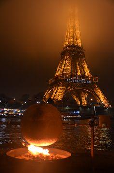 """Tour Eiffel in Paris, Île-de-France Projekt """"knusper-Erde"""" COP21 art-projekt"""