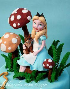 Alice nel paese delle meraviglie by Alessandra Cake Designer, via Flickr