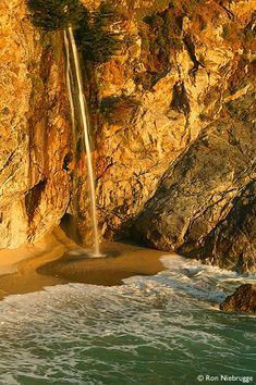 McWay Creek Falls, Julia Pfeiffer-Burns State Park, California