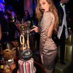 O que as supermodelos usam para arrasar em seus aniversários - Moda it