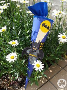 DIY Lego Batman #Schultüte zur #Einschulung2015 mit Anleitung zum selber basteln einer beliebigen Motiv Schultüte.