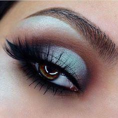 E O T D @_claudiayvette 🍦✨ Eyes: @doseofcolors #EyescreamPalette •Cone, Blueberry Swirl, Hot Fudge and Mint Chip• 🍦🔥 #DoseofColors #DoseofHeaven