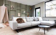 Sofa, Couch, Home Living, Living Room Inspiration, Sweet Home, New Homes, House Design, Flooring, Interior Design
