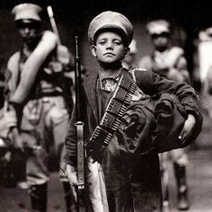 A child soldier during the Mexican Revolution, The revolution was brutal and bloody, killing at least a million Mexican people and perhaps 2 million. As the war got more desperate toward. Cristero War, World History Facts, Mexican Army, Mexican People, Mexican Revolution, Christ The King, Diego Rivera, American Civil War, Human Rights