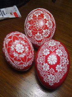 Egg Crafts, Diy And Crafts, Egg Shell Art, Egg Designs, Mandala Dots, Egg Art, Dot Painting, Egg Shells, Diy Doll