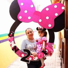 Minnie Mouse photo booth frame! Cute idea and made by myself