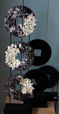 Voorbeeld Staande decoratie met ponsbloemen  Voorjaarsprogramma 2013 Workshops en Cursussen Hobbyatelier De Pottekijker in Borger